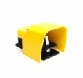 Emas footswitch with yellow plastic cover type PPKS11BX10 met1xNC + 1xNO Contacts